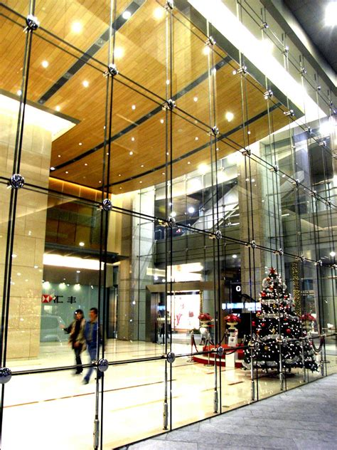 Point-fixed Glass facade