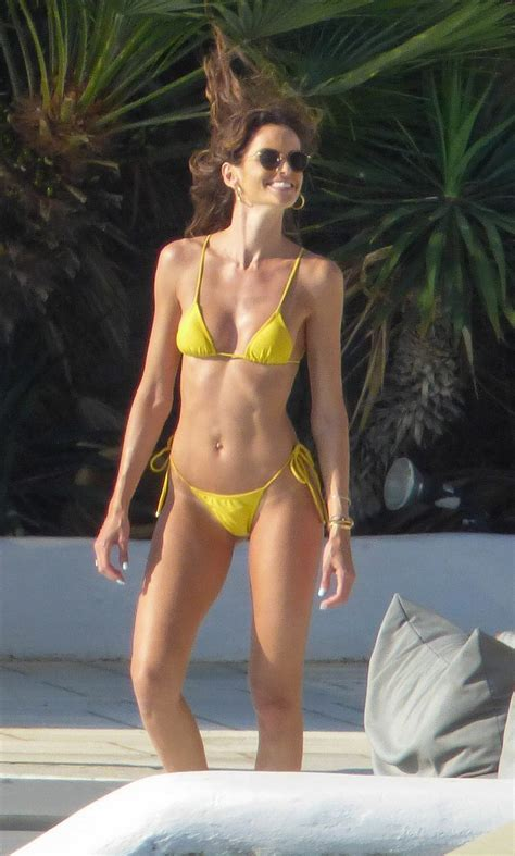 Izabel Goulart Fappening Sexy Ass (22 Photos) | #The Fappening