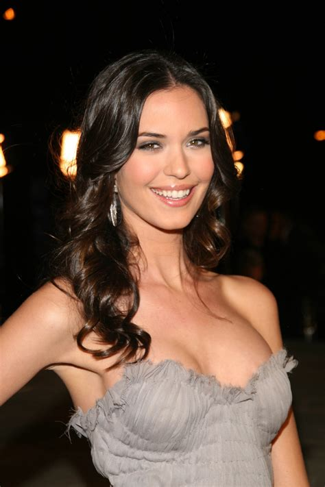 Odette Annable – Pictures Gallery