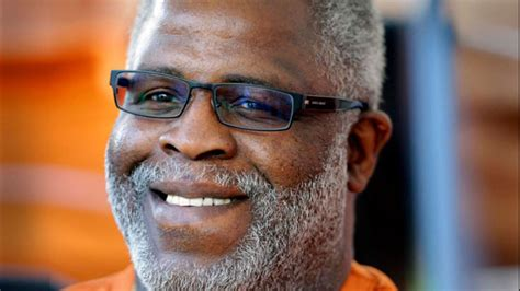 Longhorn legend Earl Campbell shares addiction recovery story